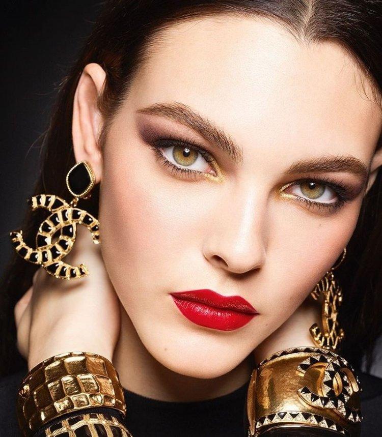 Τα έντονα μάτια είναι η τάση του μακιγιάζ!! Τips στο μακιγιάζ για εκφραστικά μάτια!!