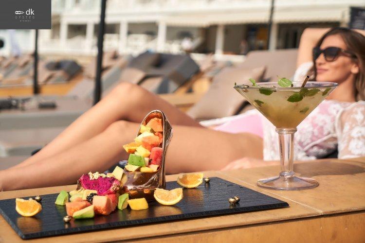 Mykonos summer στο DK Oyster, με άρωμα γυναίκας και γεύση πολυτέλειας σε 12ποντη art of plating