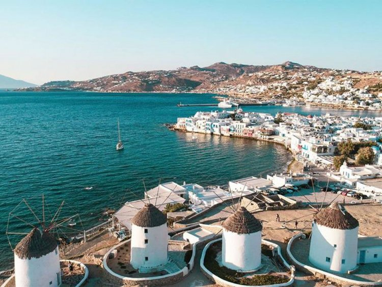 CNN:Mykonos says it's ready to party like before Covid -Η Μύκονος ετοιμάζεται να παρτάρει όπως πριν τον κορωνοϊό