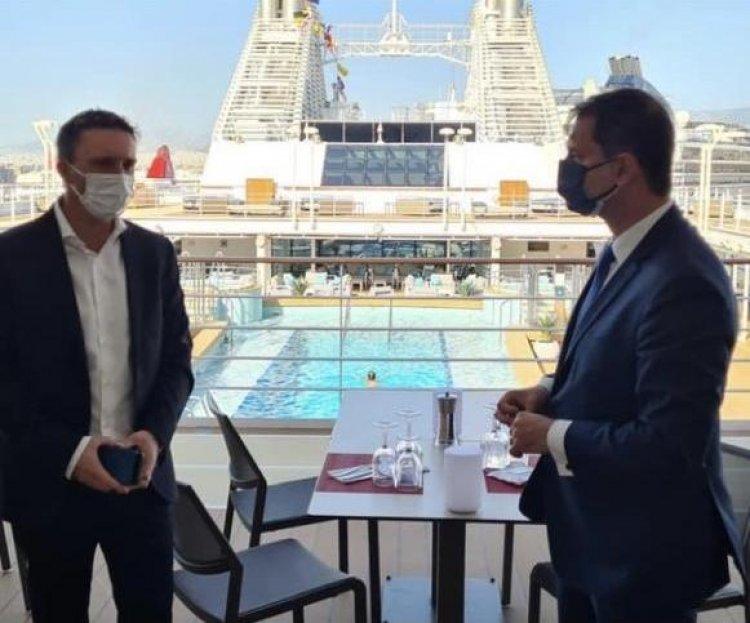 Cruise: Τελετή ονοματοδοσίας του κρουαζιερόπλοιου «Silver Moon» στο λιμάνι του Πειραιά από τον Όμιλο «Royal Caribbean Group»