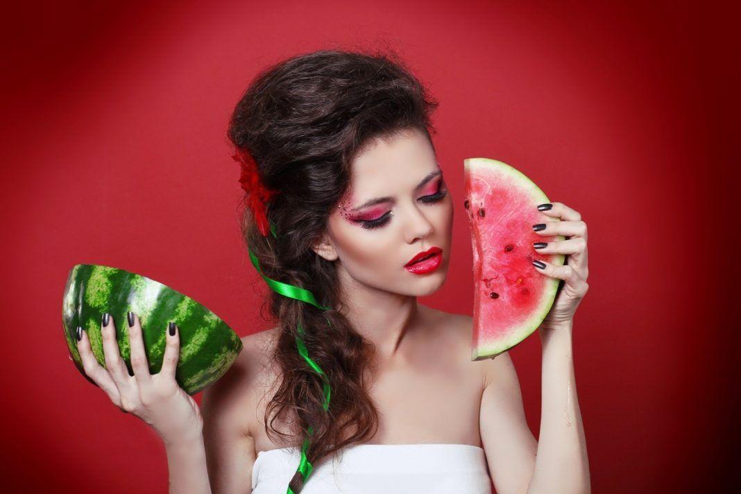 , Δροσερό, λαμπερό, απαλό δέρμα με καρπούζι!! 4 super tips!!