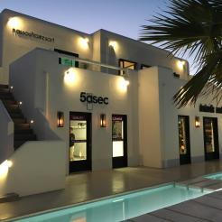 , Στην «Nammos Restaurant by the Sea» τo franchise των δύο «5àsec» στη Μύκονο