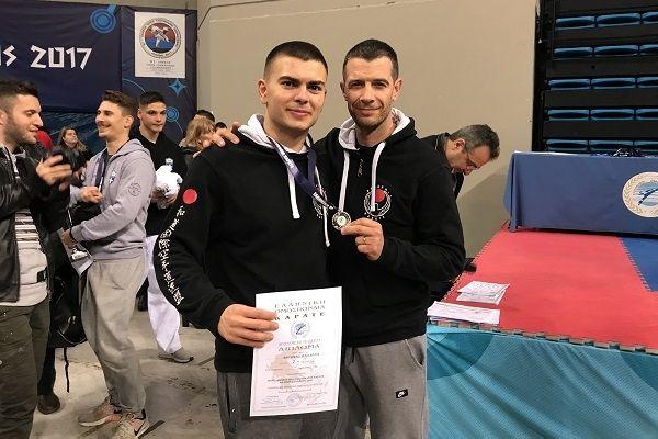 , Ασημένιο Μετάλλιο για τον Κυκλαδίτη αθλητή Βασίλη Βρούτση, στο Πανελλήνιο Πρωτάθλημα Καράτε Ανδρών