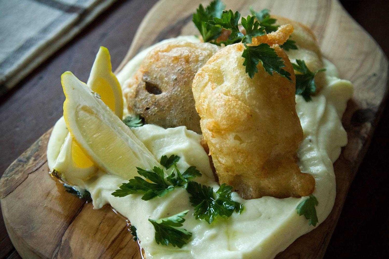 , لماذا أكل الثوم سمك القد كل 25 مارس; متى ولماذا والعرف المتبع