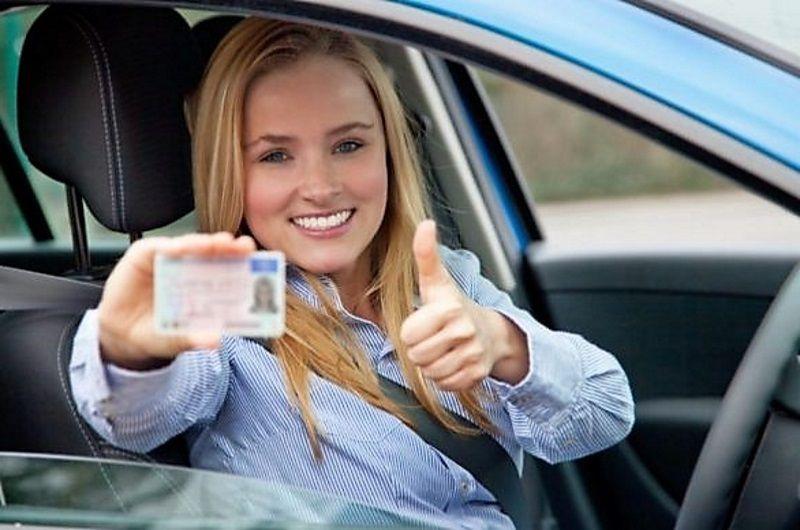 , Αλλάζουν όλα στα διπλώματα οδήγησης-Εξετάσεις από τα 17 με κάµερες και µικρόφωνα