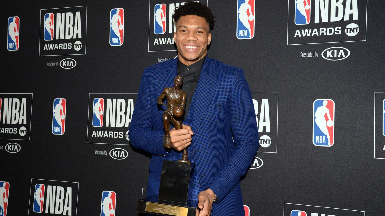 ", ""Thanks to Greece"" The shocking reason, the first Greek MVP of the NBA, Giannis Antetokounmpo (Video)"