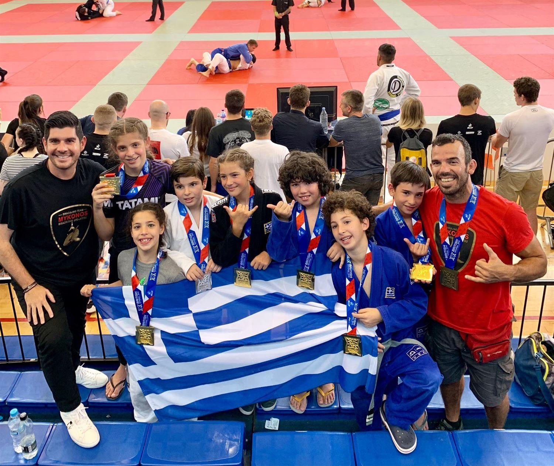 , Gourikos Atzamoglou – шесть Gold, Серебряный и бронзовый для Миконоса Международные игры бразильского джиу-джитсу в Лондоне