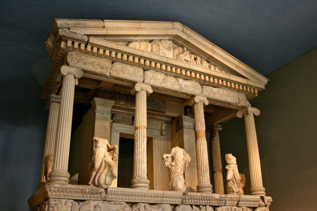 , «The Parthenon Marbles – Bring them back»: Ένα Τραγούδι Εκστρατεία με σκοπό την επανένωση των Γλυπτών του Παρθενώνα (Video)