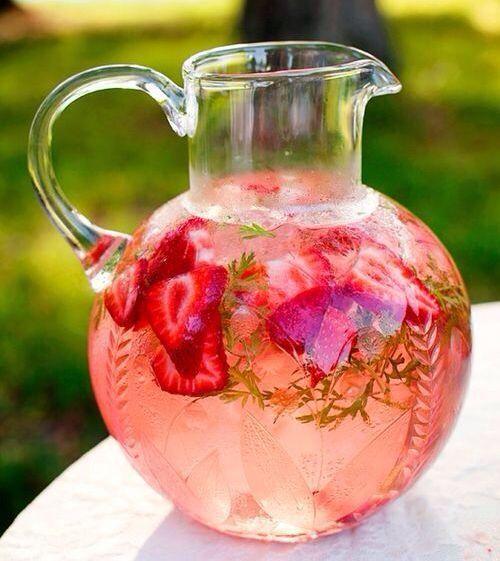 , 6 kühle Sommer-Drinks und flacher Bauch ...!!