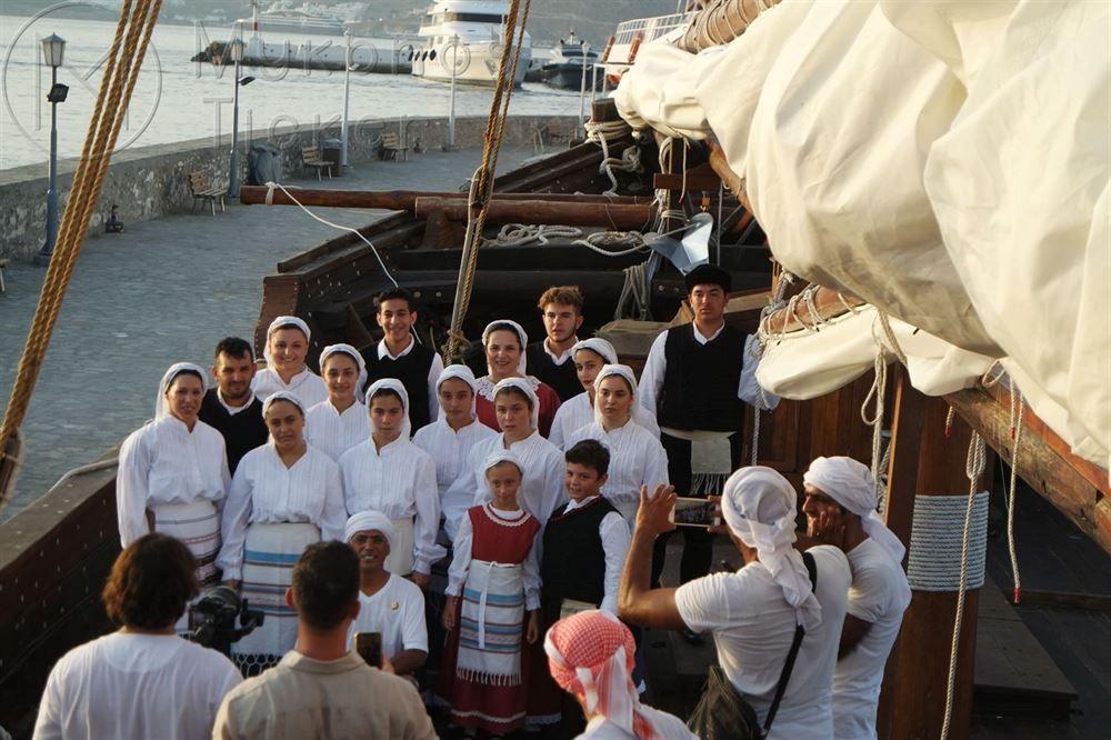 , The history of wooden shipbuilding sailboat Qatar Art, quai docked in Mykonos, to promote Qatar World Cup 2022 (pics +vids)