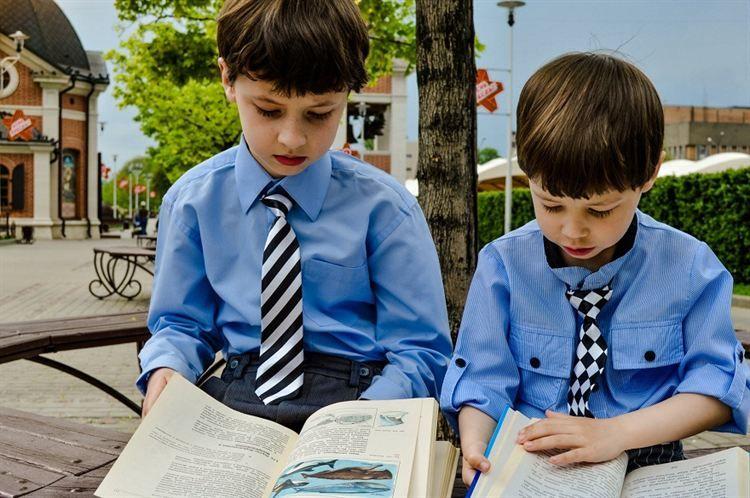 , Καθυστέρηση στη γλωσσική ανάπτυξη, παρουσιάζουν τα παιδιά που έχουν μεγαλύτερο αδερφό!!