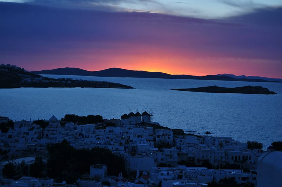 , Mykonos: When nature does wonders on the island of winds!! Amazing sunset photos!!