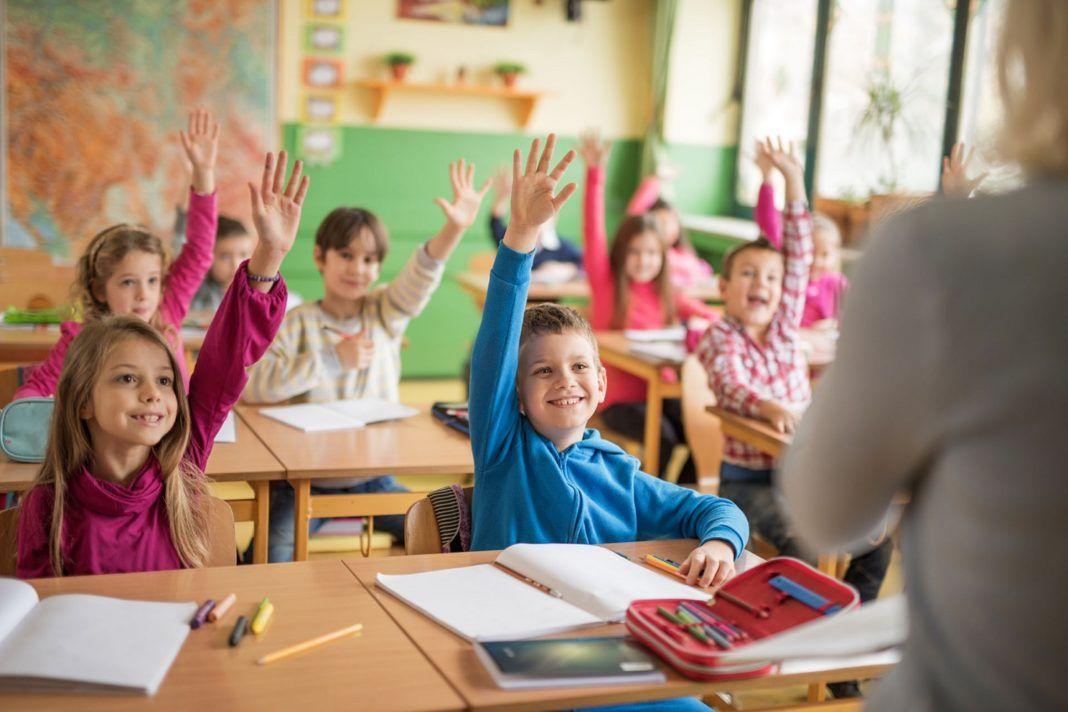 """, """"Τα παιδιά να μάθουν τη λέξη σεβασμό, κι ας κάνουν λάθος στον πολλαπλασιασμό!!"""""""