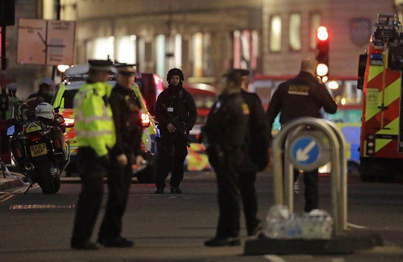 , Δύο Νεκροί στη Γέφυρα του Λονδίνου – Τρομοκρατική Επίθεση, λέει η Αστυνομία