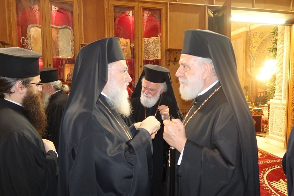 , la eminencia. Doroteo II en la ciudad de Patras Apostólica, que rinde homenaje a la patrona de