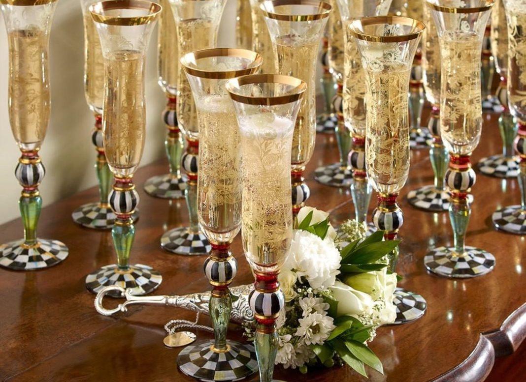 , Το mykonosticker σας εύχεται Χρόνια Πολλά και Ευτυχισμένο το 2020!!